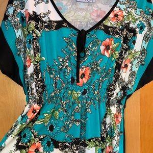 Beautiful dressy top size XL